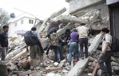 Xót Thương Trận Động đất Nepal