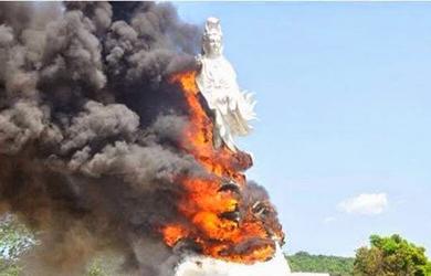 Campuchia đốt tượng Bồ Tát Quán Thế Âm của người Việt