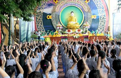 Hà Nội: Chùa Bằng trong ngày thứ hai của khóa tu lần thứ 5: Con về bên Phật