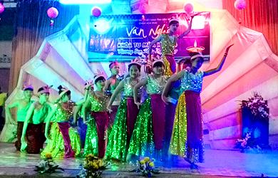 Hội diễn Văn nghệ -  Khóa Tu Mùa Hè Chùa Hoa Khai lần thứ 7 – 2016
