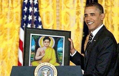 Tổng Thống Mỹ tôn tượng Đức Phật vào Tòa Bạch Ốc