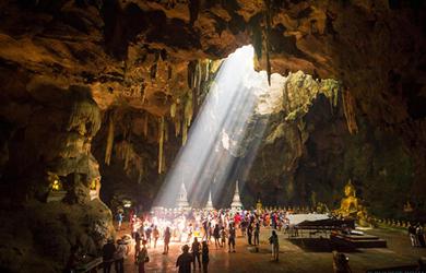 Những ngôi Chùa trong hang đẹp nhất trên thế giới