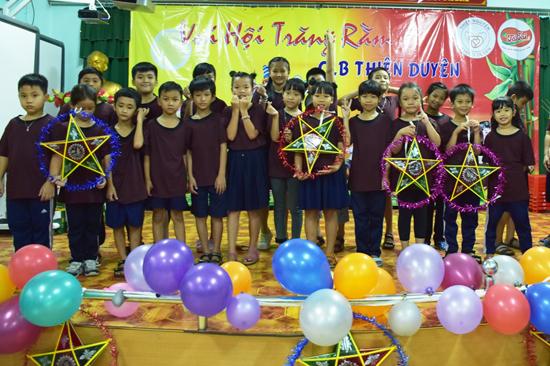 Sài Gòn: Trung thu đến với Lớp học tình thương Thiện Duyên