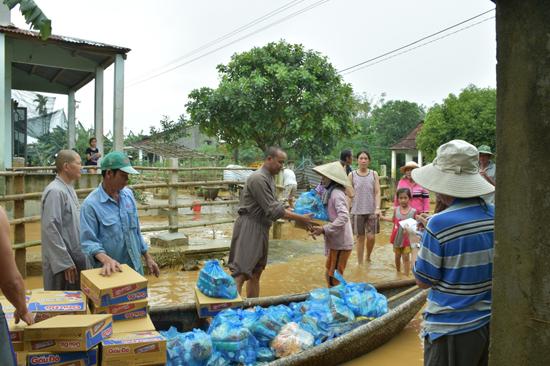 Sóc Trăng: Chùa Phổ Giác từ thiện tại Quảng Nam