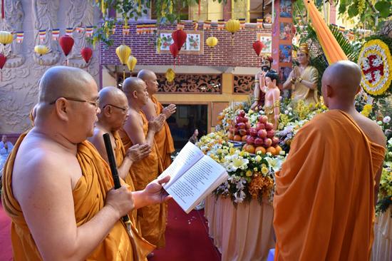 Quận 6 Sài Gòn: Tịnh Xá Lộc Uyển tổ chức lễ Phật đản PL 2561