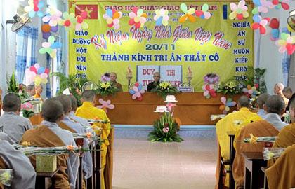 Trường trung cấp Phật học Ninh Thuận tổ chức lễ kỷ niệm Ngày Nhà giáo Việt Nam 20 - 11
