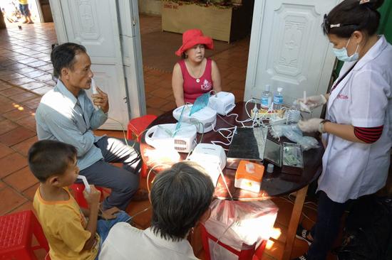 Đăk Nông: Đoàn từ thiện và Y Bác sĩ Sài gòn thăm khám tại Chùa Hoa Khai huyện Đăk R