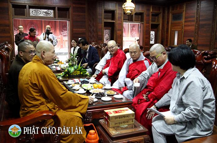 ĐăkLăk: Phái đoàn Phật giáo Hàn quốc thăm chùa Sắc Tứ Khải Đoan