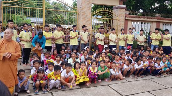 Lộc Uyển yêu thương: Từ thiện tại Vĩnh Châu, Sóc Trăng